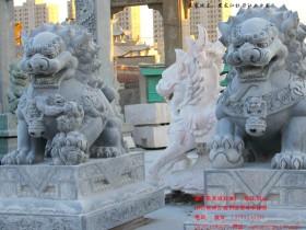 石狮子摆放在牡丹江工业园大门口